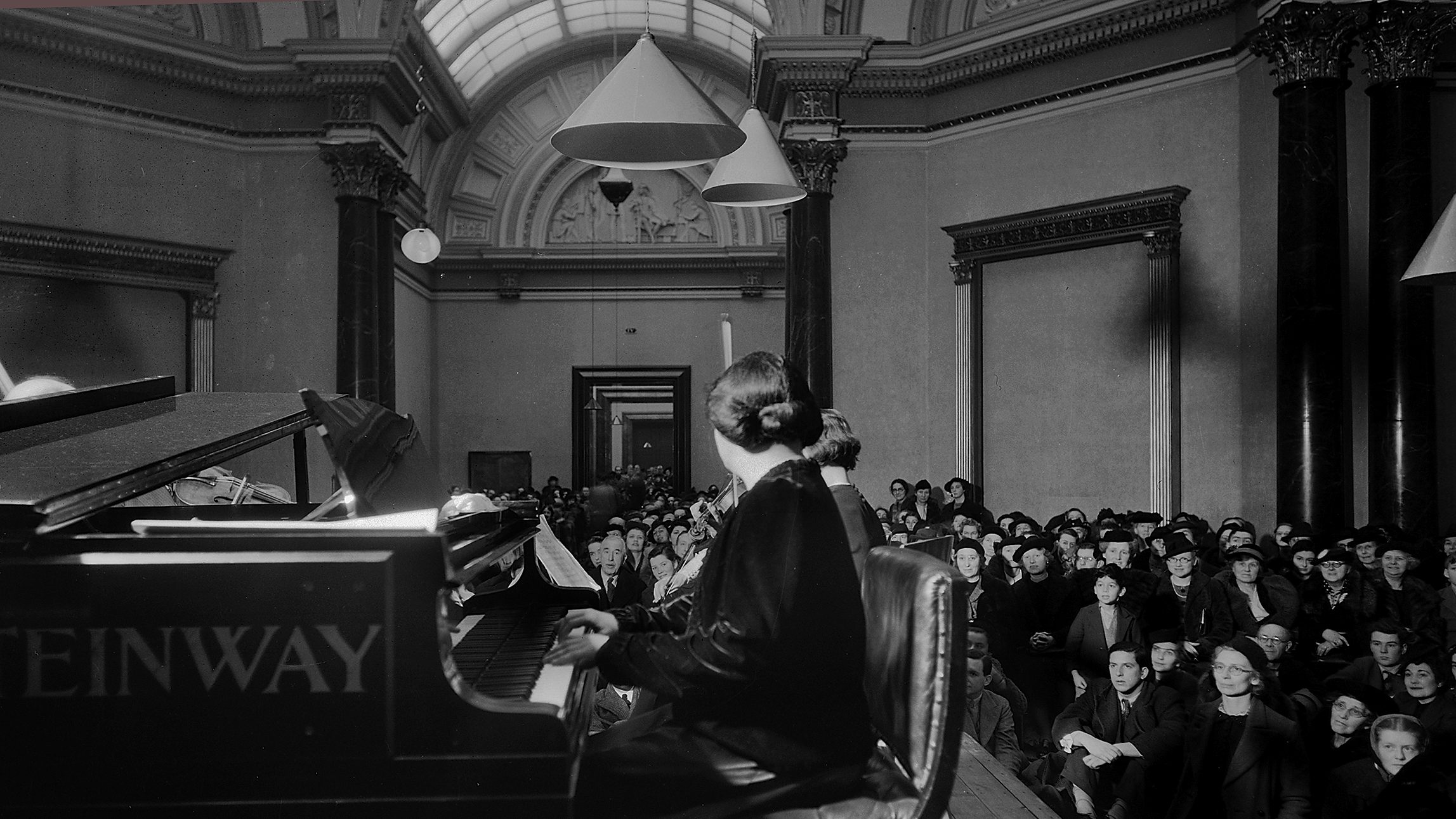 Myra Hess performing in the National Gallery during the second world war